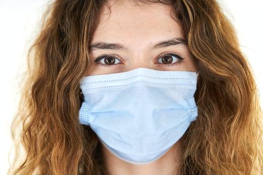 Separovic Injury Lawyers Girl In COVID-19 Mask-min